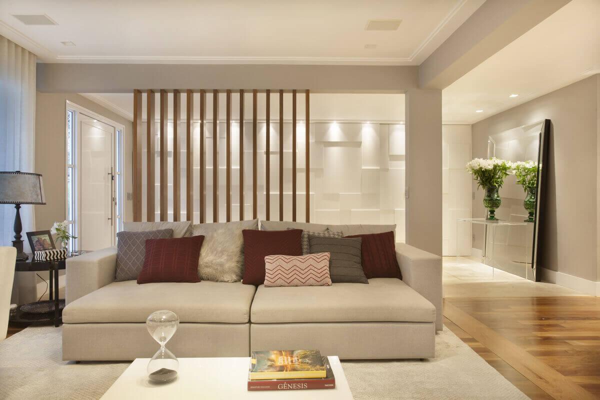 Altura Aparador Hall De Entrada ~ Hall de entrada e sala integrados por biombo de madeira Espelho com aparador de acrílico