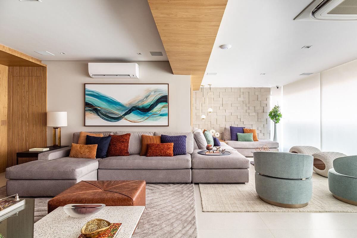 Sala e varanda integradas com sofá único